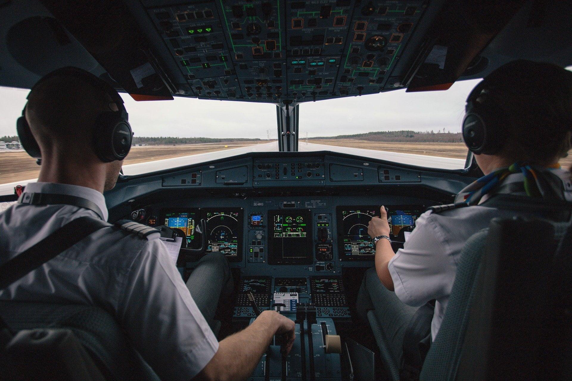 Pilot & aviation Instructor